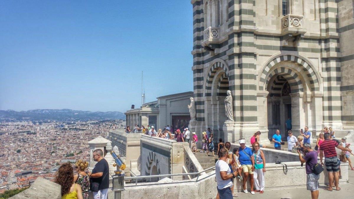 Widok na Marsylię z bazyliki Notre Dame de la Garde