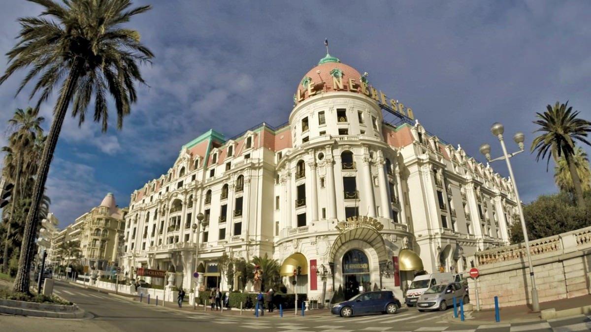 Słynny hotel Le Negresco na Promenadzie Anglików w Nicei