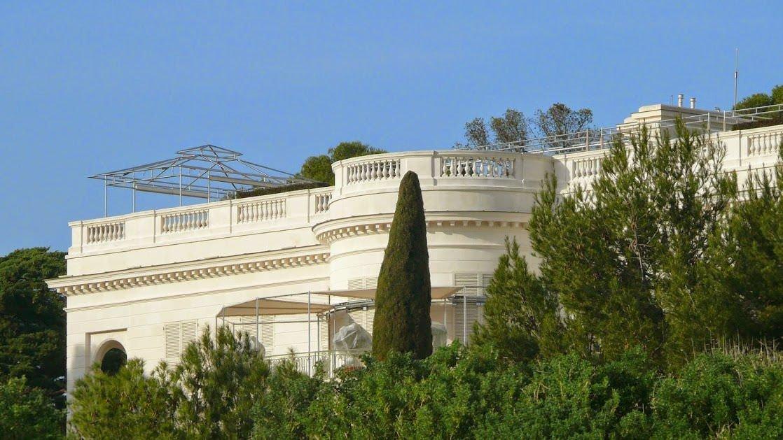 Fragment willi la Croë należącej do Romana Abramowicza, jednego z najbogatszych ludzi na świecie