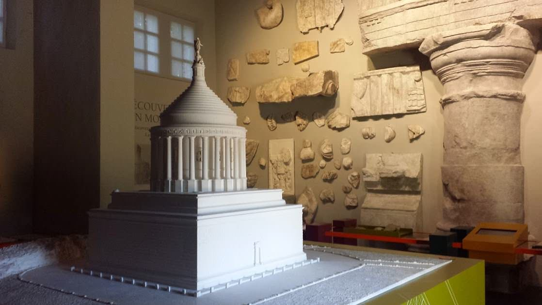 Makieta monumentu, wewnątrz muzeum