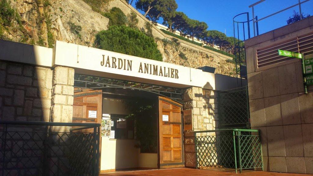 Wejście do ogrodu zoologicznego w Monako (Jardin Animalier)