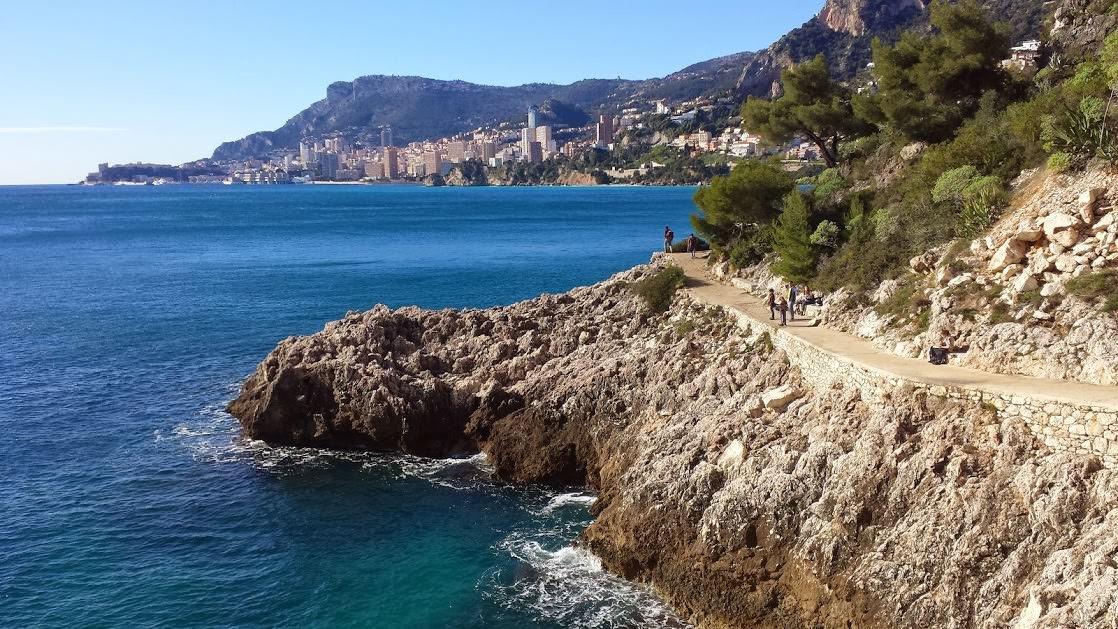 Ścieżka dookoła półwyspu Cap Martin i widok na Monaco
