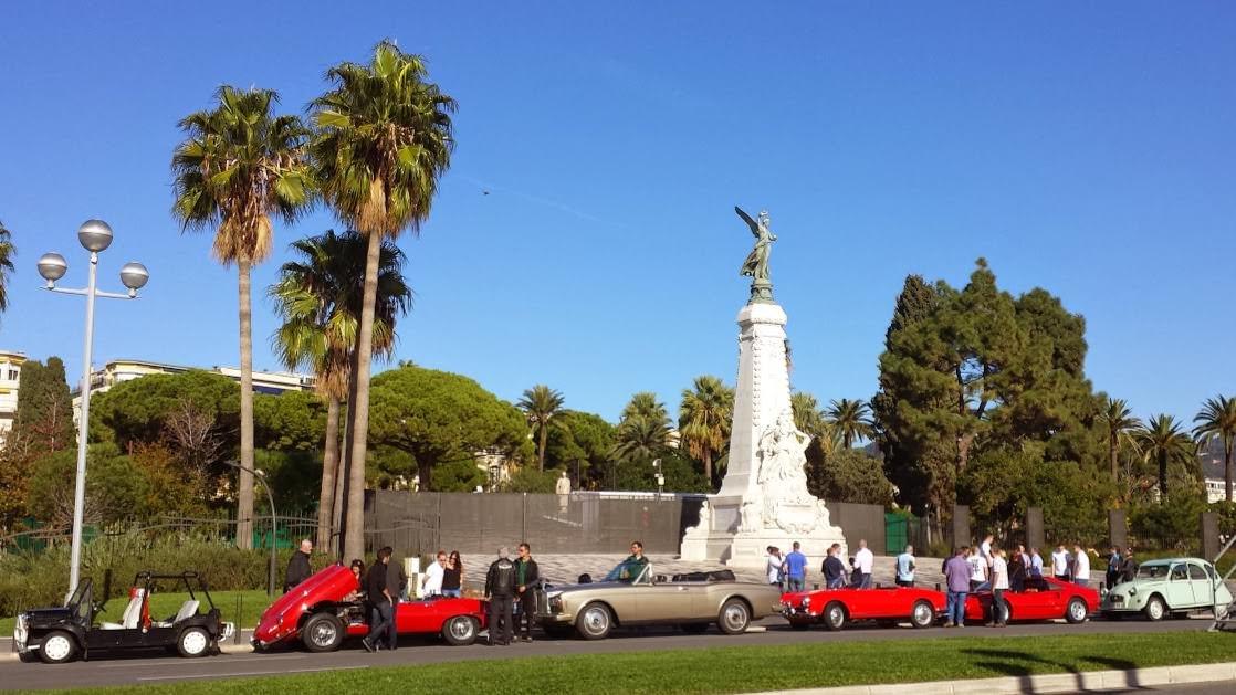 Pomnik Stulecia z rzeźbą bogini Nike, od której nazwano miasto