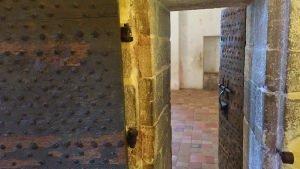 Drzwi do celi Człowieka w Żelaznej Masce, Fort Royal, Cannes