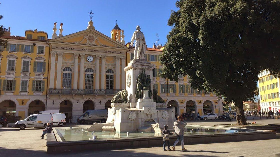 Plac Garibaldiego, Nicea