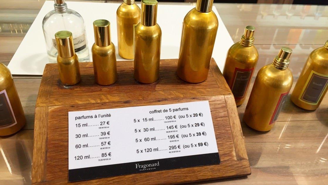 Objętości i ceny damskich perfum we Fragonard, Grasse