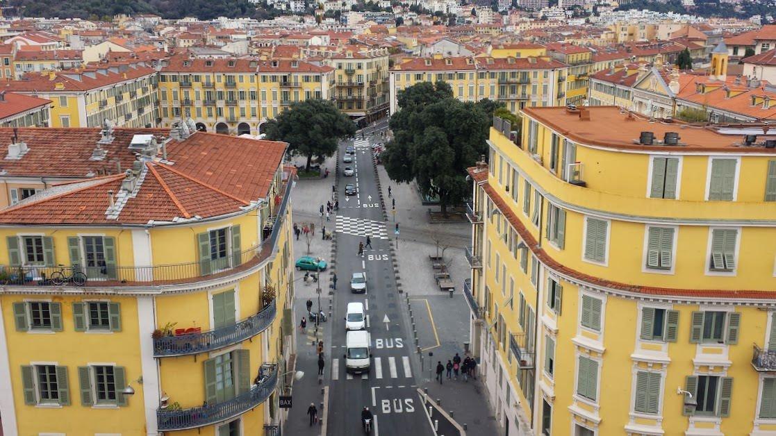 Plac Garibaldiego widoczny z dachu muzeum MAMAC