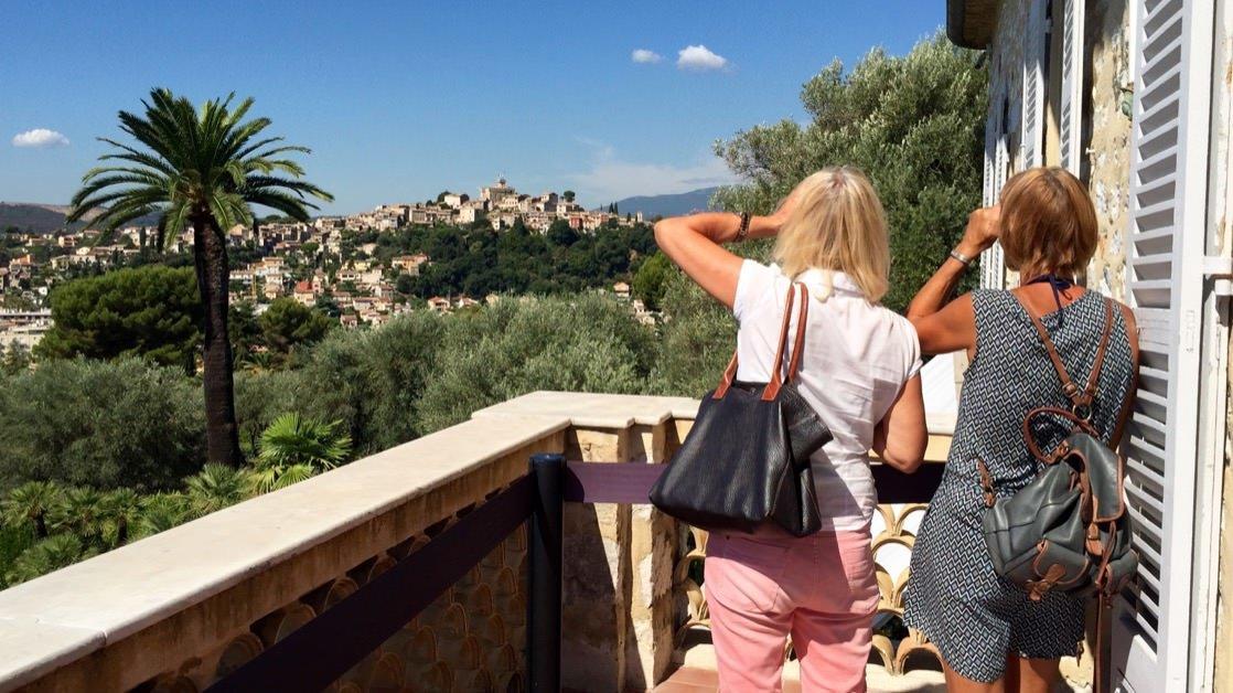 Widok z balkonu w muzeum Renoir na Haut-de-Cagnes