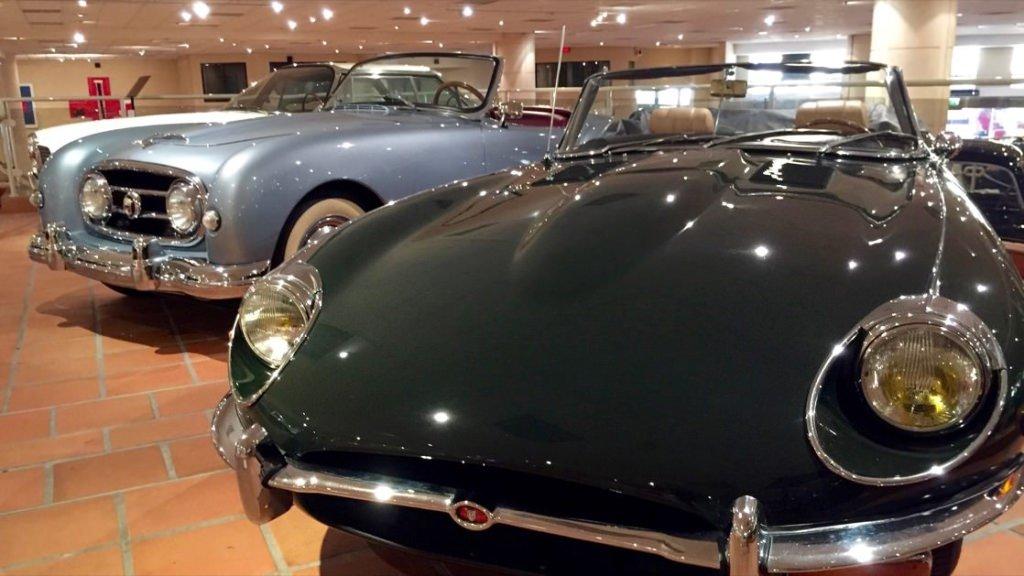 Zabytkowe samochody z kolekcji księcia Monako