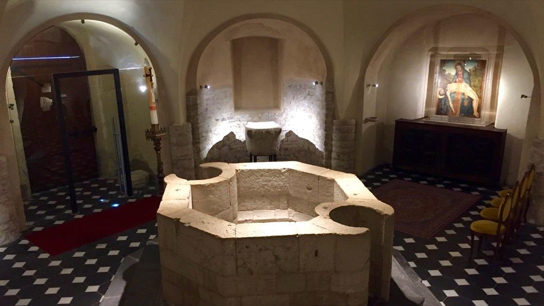 Baptysterium w katerze w Ventimiglia