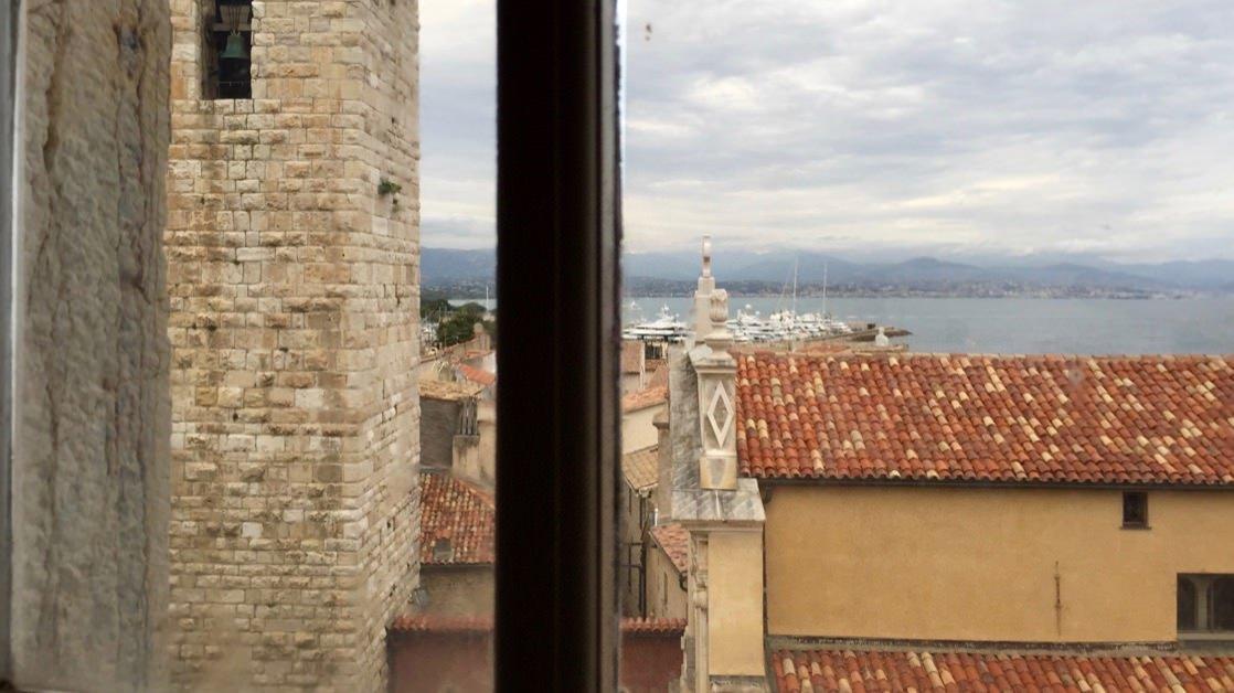 Widok z okna muzeum Picassa w Antibes, Lazurowe Wybrzeże