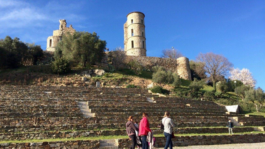 Ruiny twierdzy w Grimaud, Lazurowe Wybrzeże