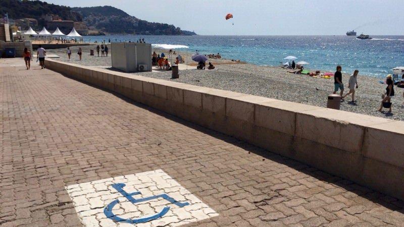 Plaża dla osób na wózkach w Nicei, Lazurowe Wybrzeże