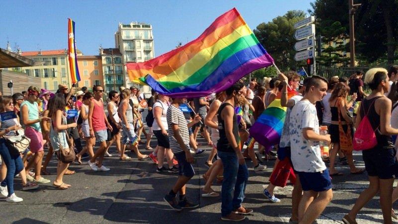 Wakacje dla gejów: Pink Parade, gejowska parada w Nicei