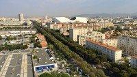 Widok na stadion Velodrome z dachu budynku le Corbusier