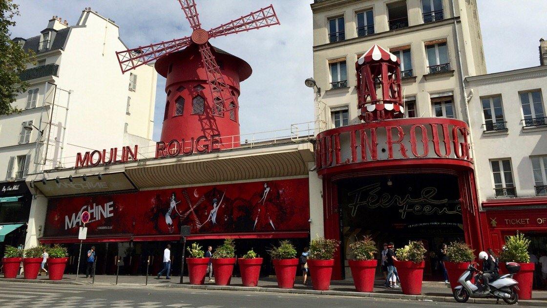 Moulin Rouge, najsłynniejszy kabaret świata, Paryż