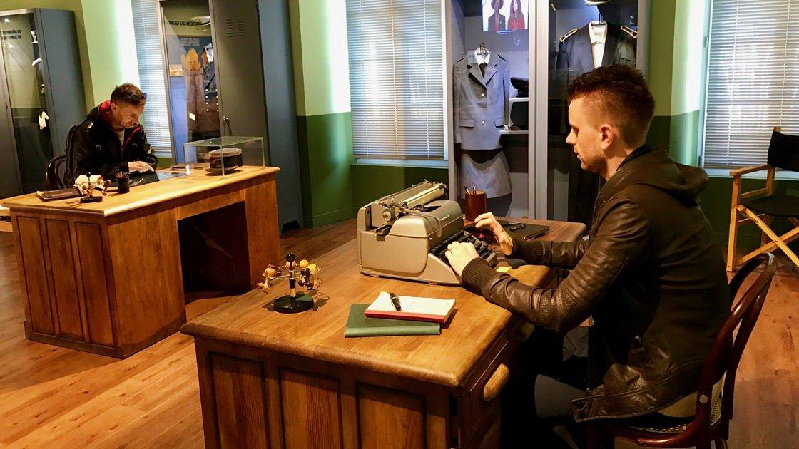 Niektóre eksponaty w muzeum żandarma można dotykać