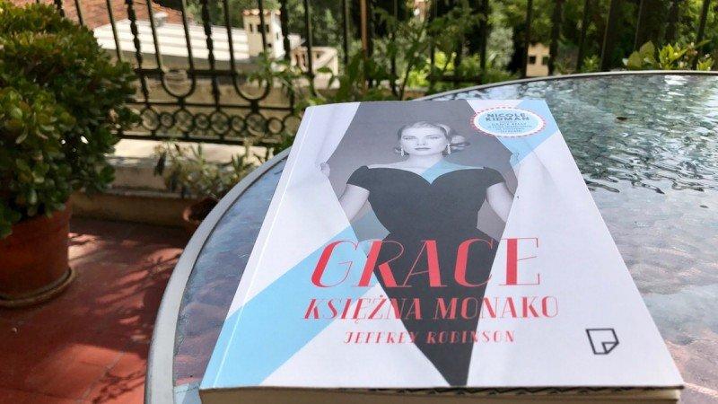 Grace Księżna Monako, Jeffrey Robinson. Książka o Grace Kelly.