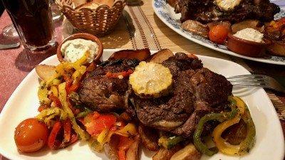 Mięso z warzywami w Le Barbecue, Nicea