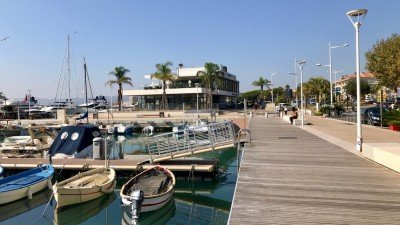 Port w Saint-Raphael, Lazurowe Wybrzeże