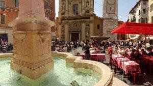 Place Rossetti na Starym Mieście w Nicei