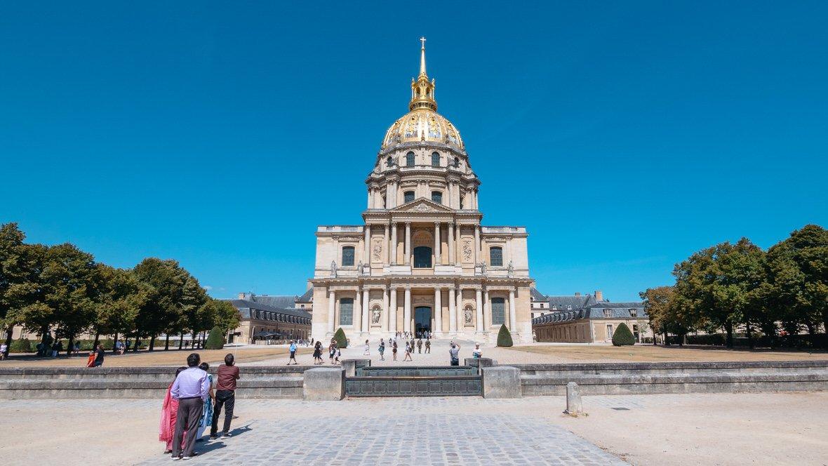 Kościół Inwalidów, w którym znajduje się grobowiec Napoleona Bonaparte, Paryż