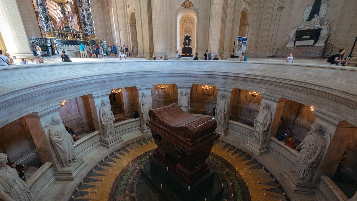 Grobowiec Napoleona Bonaparte w Kościele Inwalidów w Paryżu
