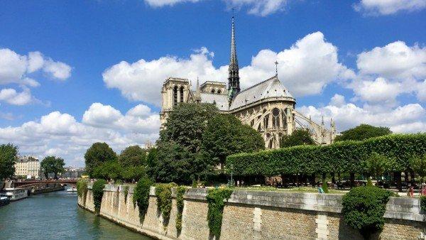 Pogoda w Paryżu: aktualna i w poszczególnych miesiącach. Sprawdź w artykule!