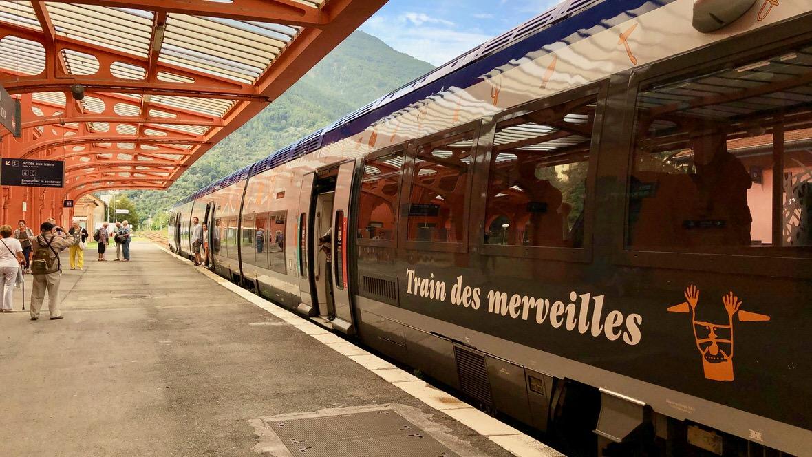 Pociąg Cudów (Train des Merveilles) z Nicei w góry