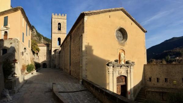 Kościół w Entrevaux, Lazurowe Wybrzeże