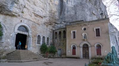 Wejście do groty Marii Magdaleny, sanktuarium la Sainte-Baume