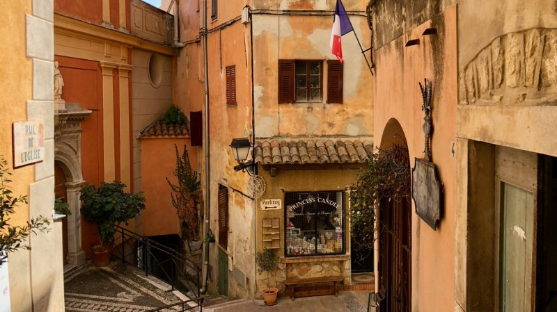 Poznaj 5 średniowiecznych miasteczek na Lazurowym Wybrzeżu, które warto zobaczyć! Na zdjęciu Roquebrune-Cap-Martin.