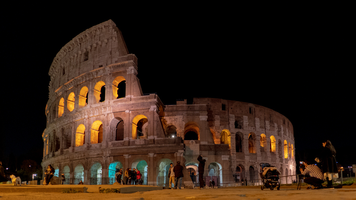 Koloseum nocą