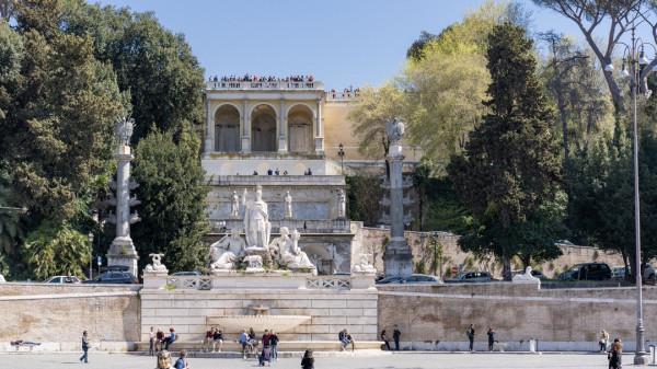 Punkt widokowy, ogrody Borghese. Ujęcie z Piazza del Popolo